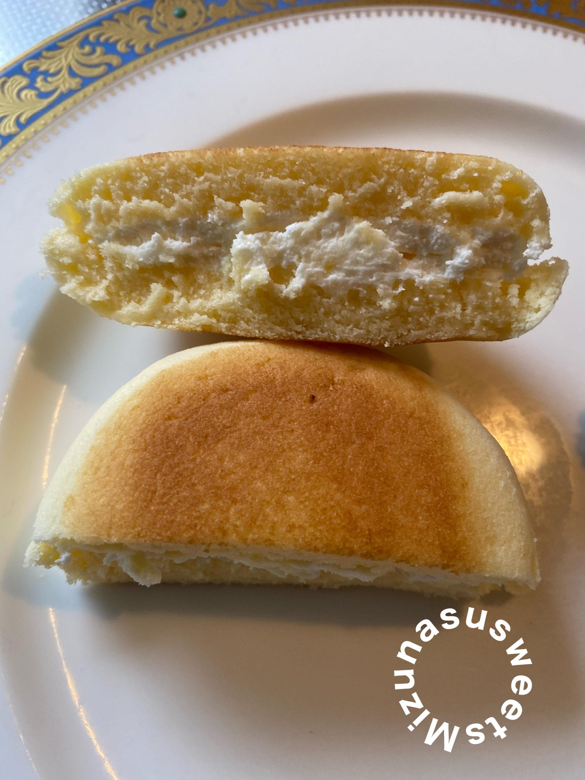 セブンイレブンスイーツのチーズ蒸しケーキサンド
