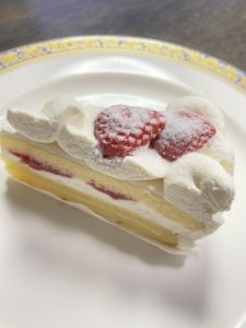セブンプレミアム「苺のショートケーキ」