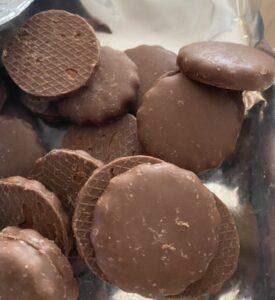 セブンプレミアム「チョコまみれすぎ~チョコビスケット」